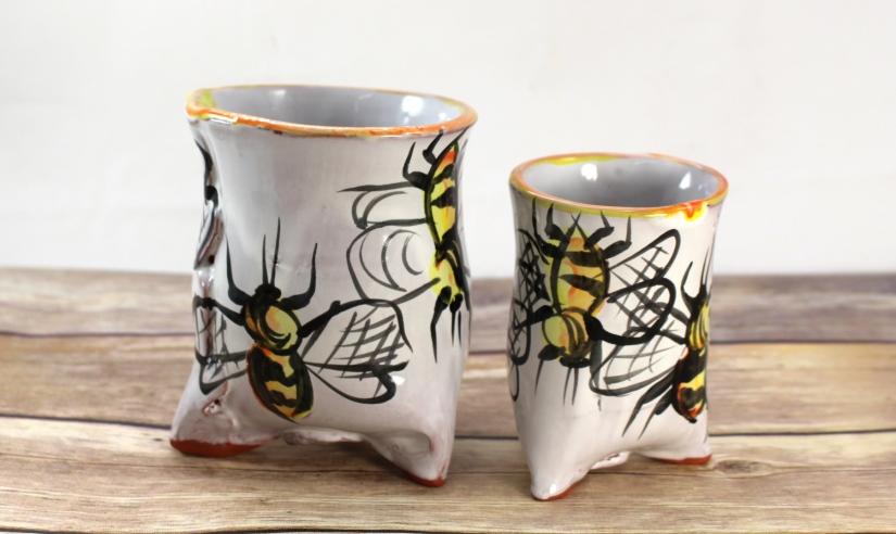 AmyKing-tripodcups-bee